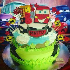 Cars Cake #detallesboutique #regalandosonrisas   #veracruz #bocadelrio https://www.facebook.com/Detalles-Boutique-Creativa-128788760525005/
