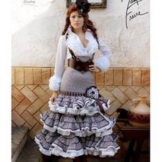 Trajes de flamenca margarita freire Nice Dresses, Flower Girl Dresses, Trumpet Skirt, Vintage Outfits, Costumes, My Style, Womens Fashion, Casual, Skirts