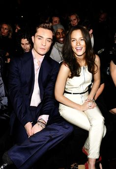 leighton meester and ed westwick from Gossip Girl Gossip Girls, Mode Gossip Girl, Estilo Gossip Girl, Gossip Girl Style, Gossip Girl Cast, Gossip Girl Blair, Gossip Girl Fashion, Ed Westwick, Chuck Bass