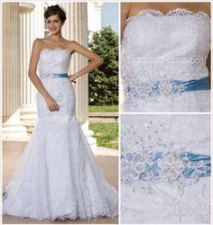Trumpet/ Mermaid Strapless Court Train Lace Wedding Dress - USD $ 249.99
