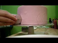 Quick and Simple Fondant Cake Quilting Tutorial - YouTube