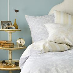 20 Adorable DIY Nightstands   Daily source for inspiration and fresh ideas on Architecture, Art and Design