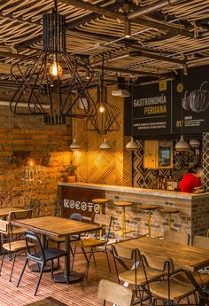 Top Rustic Coffee Shop Decoration Ideas – Savvy Ways About Things Can Teach Us Coffee shops feature a number of interesting interior designs, often supposed to make your experience special and distinctive. The coffee shop has a r… Rustic Coffee Shop, Coffee Shop Design, Coffee Shops, Cafe Design, Rustic Cafe, Coffee Barista, Wood Design, Bar Deco, Plafond Design