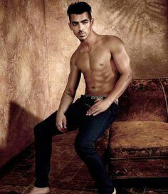 Joe Jonas más sexy que nunca en la nueva campaña de Guess Underwear | El Blog De Akío