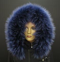 Kožešina na kapuci z mývalovce v modré barvě NAVY BLUE s prosvětlenými pesíky můžete nakoupit u nás v eshopu #elegance#kozesina#na#kapuci#lem#kozesinovy#spongr#kuze#deluxe#modra#prava#real#fur#myvalovec#finnraccoon Blues, Winter Hats, Fashion, Moda, Fashion Styles, Fashion Illustrations