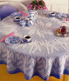 Предлагаю вашему вниманию схему вязания круглой скатерти Ландыши, которую возможно использовать и для вязания шали, при некотором изменении.
