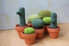 gehaakte of gebreide planten in potje
