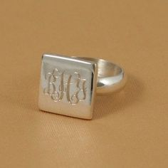 great idea- personalised ring...