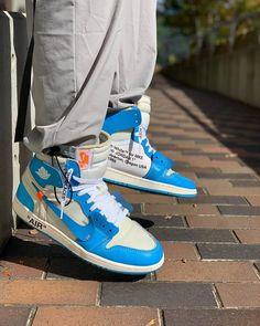 Jordan 1 Retro High Off-White University Blue Nike Air Shoes, Air Jordan Shoes, Nike Socks, Hype Shoes, Fresh Shoes, Blue Sneakers, Shoes Sneakers, Jordan 1 Retro High, Me Too Shoes