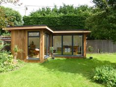 Super home office contemporary garden studio ideas Garden Lodge, Garden Cabins, Corner Summer House, Summer House Garden, Home And Garden, Casas Country, Outdoor Garden Rooms, Contemporary Garden Rooms, Casas Containers