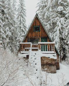 Up Knörth — Wood and white.                  #getoutdoors...