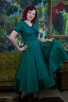 "Vintage 1940s Iridescent Green Fit & Flare Formal Dress - XS Small 24"" Waist"