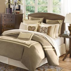 Shop bed and bath at Buyer Select. Our curated selection includes beautiful duvet covers, designer, and luxury bedding sets as well as sumptuous linens. King Size Quilt Sets, King Size Comforter Sets, King Size Bedroom Sets, King Size Comforters, Beige Bedding Sets, Neutral Bedding, Queen Bedding, Best King Size Bed, Shopping