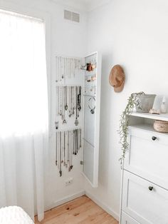 5 IKEA Hacks for Small Closets | Apartment Therapy Small Closet Storage, Tiny Closet, Small Closets, Open Closets, Dream Closets, Closet Space, Ikea Hacks, Etagere Kallax Ikea, Ideas