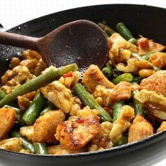 Gluten Free Recipes, Healthy Recipes, Hungarian Recipes, Kung Pao Chicken, Wok, Free Food, Main Dishes, Chicken Recipes, Dinner Recipes