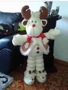No pattern just picture, hope to find the pattern for this. If anyone finds it. Thanks, Ursula Christmas Clay, Christmas Sewing, Christmas Fabric, Christmas Animals, Christmas Love, Christmas Projects, Felt Christmas Decorations, Christmas Ornaments, Holiday Decor