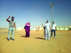 Activistas por la independencia del Sahara que viven en los territorios ocupados por Marruecos narran los abusos sufridos por parte de las autoridades del reino alauí y cómo intentan saltar el bloqueo informativo al que son sometidos a través de las redes sociales