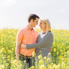 Surrounded by rapeseed and drenched in sun ☀️ L + A via Tie The Knots, Engagement Shoots, Sun, Couple Photos, Beautiful, Instagram, Tying The Knots, Couple Shots, Engagement Photos