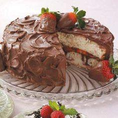 Chocolate-Covered+Strawberries+Cake