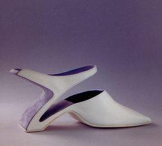 http://www.nupxl.com/wp-content/uploads/2010/10/weird_shoes_8_tp5ff_6663.jpg