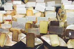 bedford cheese.uma das melhores lojas de queijo da cidade.ja provei alguns queijos e até hoje não teve nada que eu não gostei.a loja é pequena, porem bem querida e o atendimento é sempre ótimo!http://bedfordcheeseshop.com/