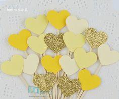 40 stks glitter gold yellow harten cupcake toppers bruiloft eten tandenstokers verjaardag bruids party voedsel picks cake decor in met de hand gemaakt hart prinsescupcake toppersproduct beschrijvingMateriaal: papierGrootte: 1.5cm diameter 2,5 cm hoog( van Event& party benodigdheden op AliExpress.com | Alibaba Groep