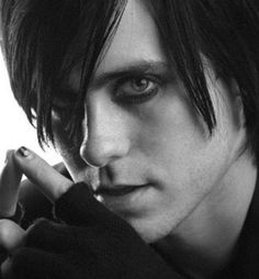 Jared Leto and  guyliner....