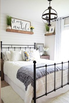 If you are looking for Farmhouse Master Bedroom Decor Ideas, You come to the right place. Below are the Farmhouse Master Bedroom Decor Ideas. Guest Room Decor, Home Decor Bedroom, Garden Bedroom, Spare Bedroom Ideas, Small Guest Bedrooms, Diy Bedroom, Bedroom Furniture, Guest Room Sign, Farm Bedroom