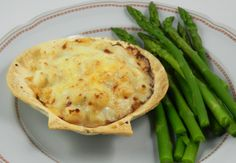 Julia's Coquilles St. Jacques – Julia, Julie & I – The Joy of Cooking Rediscovered Shellfish Recipes, Seafood Recipes, A Food, Good Food, Yummy Food, Quick Recipes, Quick Meals, Yummy Recipes, Saint Jacques Recipe