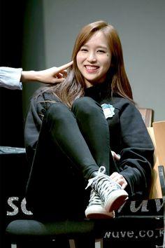 Only One For Me (Michaeng ft Nayeon, Kpop Girl Groups, Korean Girl Groups, Kpop Girls, San Antonio, Sana Cute, Sana Momo, Chaeyoung Twice, Myoui Mina