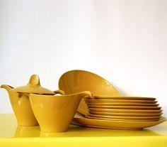 Saffron Gold Melmac Set