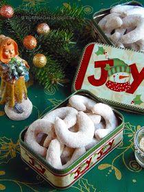 Nálunk bizony nincs Karácsony hókifli nélkül. Már az elnevezése is az ünnepi hangulatot juttatja eszembe. Ezidáig mindi... Hungarian Desserts, Hungarian Cuisine, Hungarian Recipes, Gingerbread Cookies, Christmas Cookies, Christmas Time, Food To Make, Biscuits, Food And Drink