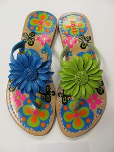 hand painted and leather Green Sandals, Summer Sandals, Palm Beach Sandals, Mystique Sandals, Jeweled Sandals, Types Of Women, Only Shoes, Fashion Sandals, Leather Sandals