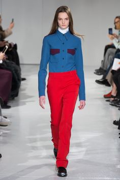 Calvin Klein Presenting Ready To Wear Collection At New York Fashion Week Autumn/Winter 2017 This morning, for his stellar Calvin Klein debut, Raf Simons New York Fashion, Fashion Week, Fashion Show, Fashion Outfits, Fashion Trends, Raf Simons, Camille Hurel, Fancy Skirts, New Yorker Mode