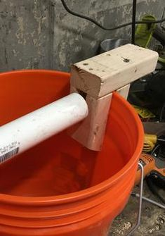How to Build a Better Log Rolling Bucket Mousetrap. Cheep, easy to build and will catch multiple mice without having to reset the trap. Fits any five gallon bucket. Best Mouse Trap, Mouse Traps, Rat Trap Diy, Bucket Mouse Trap, Five Gallon Bucket, Rat Traps, Allotment, Watering Can, Easy Diy Projects