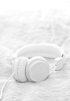 all white headphones All White, Pure White, White Pic, White Light, Blanco White, White Headphones, White Wallpaper, Wallpaper Ideas, Shades Of White