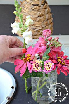 TIPS FOR ARRANGING GARDEN FLOWERS-recut flowers-stonegableblog.com