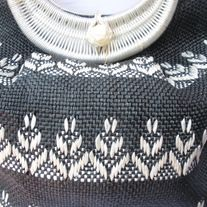"""Chic! Vintage BLACK WHITE Floral Wicker Rattan Straw Clutch Bucket Handbag; khaki lining DESIGNER: vintage Marked SIZE: 10"""" x 13""""  Material: Rattan, Straw,  Condition: Great Vintage Condition  Additional belts are available if you are looking for a specific color or type that may be in inv... Rattan, Wicker, Bucket Handbags, Floral Clutches, Vintage Handbags, Indie Brands, Vintage Black, Belts, Size 10"""