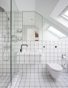 DTILE applied in a small bathroom, design by Studio 30 Architects
