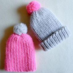 Keep your little angel's ears warm this winter with this Super Soft and Simple Baby Hat. This rib stitch baby hat knitting pattern is a simple beanie topped with a pom pom for an extra cute touch. You can whip up this quick knit in a jiffy when knitt All Free Knitting, Baby Hat Knitting Pattern, Baby Hat Patterns, Baby Hats Knitting, Knitting For Beginners, Knitting Patterns Free, Knitted Hats, Free Pattern, Knitting Ideas