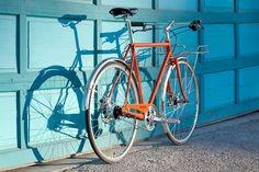 Shinola Runwell Porteur 14 Shinola Runwell, Beautiful Roads, American Story, Everyday Objects, Cool Watches, Bicycles, The Help, Wheels, Training