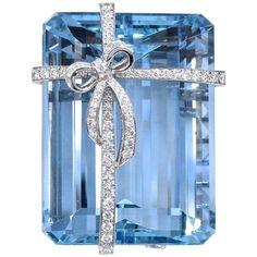 Tiffany & Co. Aquamarin Diamant Brosche – Damen Schmuck und Accessoires Tiffany & Co. Tiffany Jewelry, Aquamarine Jewelry, Turquoise Jewelry, Diamond Jewelry, Silver Jewelry, Leather Jewelry, Tiffany And Co Necklace, Silver Earrings, I Love Jewelry
