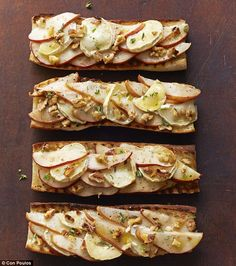 Pear, goat's cheese and walnut tartine