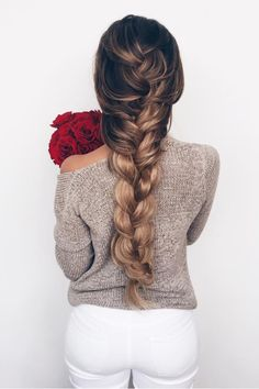 We know the movie Frozen was so two years ago, but we are loving this Elsa inspired braid with Dirty Blonde Luxies! Click to learn how to create this beautiful braid <3 #luxyhair