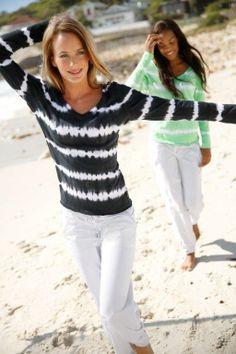 Venice Beach Yoga Kollektion erhältlich beim online Nischenplayer intimates.ch Venice Beach, Yoga, Women, Fashion, Moda, Fashion Styles, Fashion Illustrations, Woman