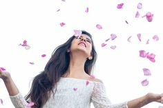 Look Your Absolute Best With These Beauty Tips Cute Couple Selfies, Cute Couple Poses, Cute Girl Poses, Cute Photo Poses, Girl Photo Poses, Photo Shoot, Stylish Girls Photos, Stylish Girl Pic, Cool Girl Pictures