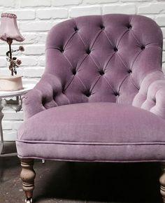 ♔ Rachel Ashwell Shabby Chic Couture. Purple velvet chair <3 Repin &… #VelvetChair