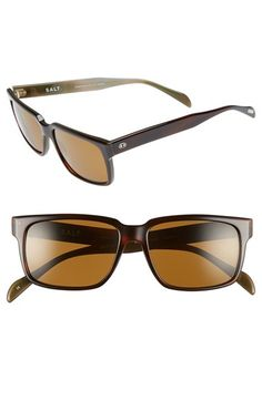 These New Wayfarer sunglasses from Ray Ban have a classic style that any Dad is sure to love!
