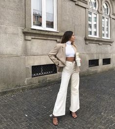 Street style that I absolutely love Classy Outfits, Trendy Outfits, Fall Outfits, Fashion Outfits, Womens Fashion, Fashion Trends, Urban Chic Outfits, Looks Street Style, Casual Street Style Summer