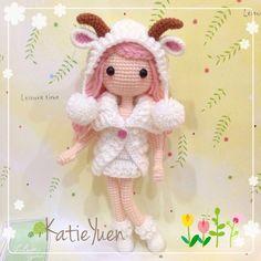 Instagram media katieyuenlj - 团钩 : 羊妹妹 非常有难度的一个娃,尤其是外套和帽子,拆了好多次才完成~  完成后好可爱啊!超喜欢…